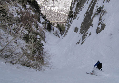 The lower third of the Coalpit Headwall is a tight, wild, granite lined gully that ends in a waterfall over a cliff.