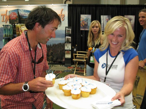 John Griber works his charms on the poor cupcake girl.