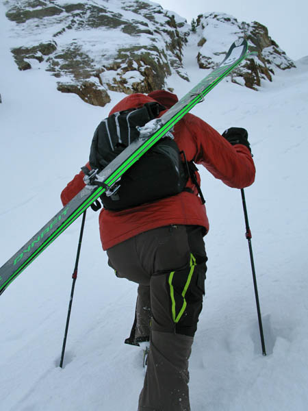 A Frame vs. Diagonal Ski Carry : StraightChuter.com